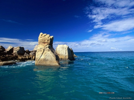 Stones In The Water Oceans Nature Background Wallpapers