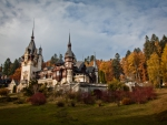 Castelul Peles in Autumn