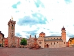 Trento (Piazza del Duomo)_Italy