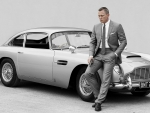 1964 Aston Martin DB5 and Daniel Craig