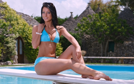Bikini Model Melisa Mendiny