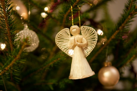 the christmas angel christmas tree amgel love golden decorations peace