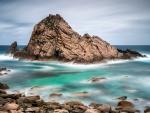 Sugarloaf Rock, Australia