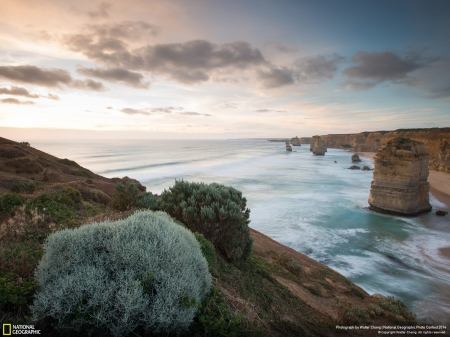 Great Ocean Road - oceans, rocks, sky, australia, great ocean road, beautiful, clouds, nature