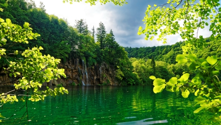 Summer Lake - forest, National Park, Croatia, beautiful, trees, lake, waterfalls, green, summer, Plitvice
