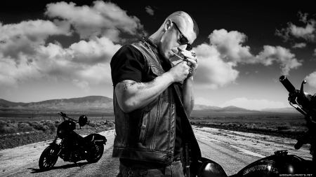 SOA - Biker, Sexy, Sons of Anarchy, SOA, Motorcycle, Theo Rossi