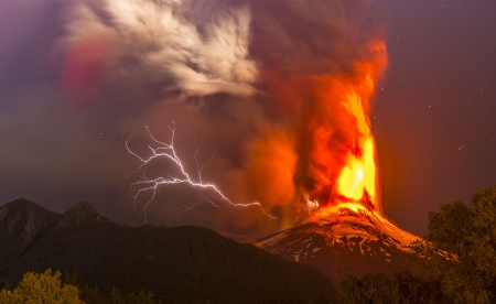 Villarrica Volcano Eruption At 3:00 AM - fear, disaster, nocturnal, eruption, lava, beautiful, trees, starry night, volcano, Araucania, fire, mountain, lightning, Chile, smoke, snowy peaks