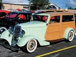 1934-Ford-Woodie-Wagon