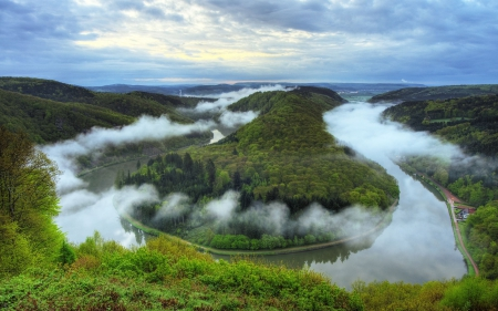 Saar Loop - 2560x1600, cool, foggy, Germany
