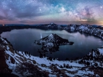 Milkey Way over Crater Lake