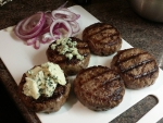 Wagyu burgers with blue cheese and red onion
