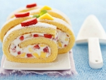 Sponge roll filled with Cream Mango