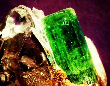 Beryl Emerald Gemstone - emerald is the name, beryl is the family