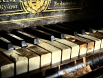 Old Piano F
