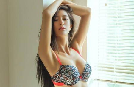 Asian hottest model