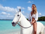 Cowgirl Hannah Davis