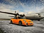 Porsche 911 GT and Aircraft