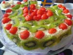 Cake with Strawberries and Kiwi