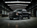 2015-Chevy-Silverado-Blackout-Edition