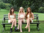 Lizzy Caplan and Kirsten Dunst and Isla Fisher