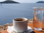 *Coffee next to the sea*