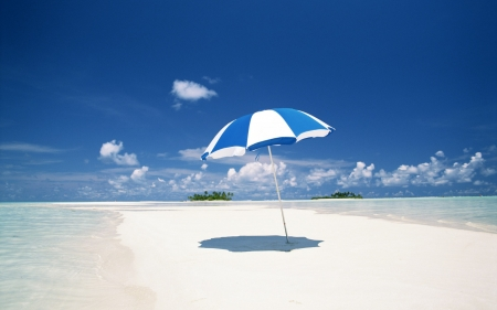 Stunning beah - beach, sand, summer, parasol, trpical