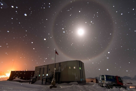 A Blue Moon Halo over Antarctica - A Blue Moon, stars, fun, antarctica, cool, space