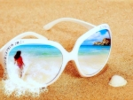 ✿⊱•╮Sunglasses in the Sand╭•⊰✿
