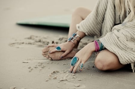 Bohemian Style - feel, beach, photography, vacation, girl, fashion, sea, jewelry