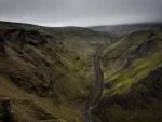 blacktop road through winnats pass in england
