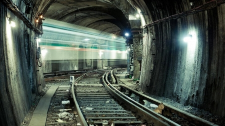 paris subway tunnel in long exposure - Other ...