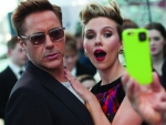 Robert Downey Jr & Scarlett Johansson
