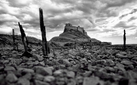 Lindisfarne - wallpaper, photograohy, black and white, abstract, field, scene, landscape