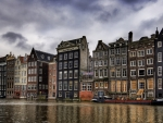 amsterdam homes on a canal hdr