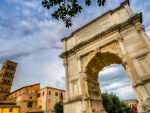 arch of titus in rome italy