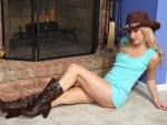 Cowgirl Sarah Peachez