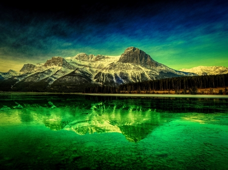 EMERALD LAKE - mountain, nature, reflection, emeral, lake