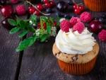 Cupcake and berries