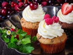 Cupcakes and berries