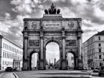 siegestor triumphal arch in munich