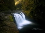 Lower Punchbowl Falls, Oregon