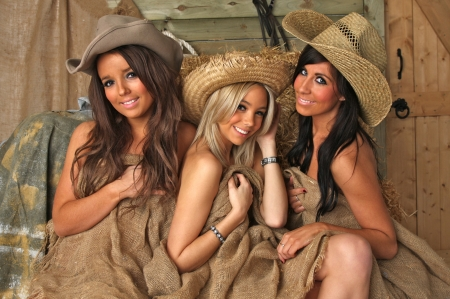 Burlap Wrapped Cowgirls - burlap, brunettes, hats, cowgirls, blonde, straw, wood, door