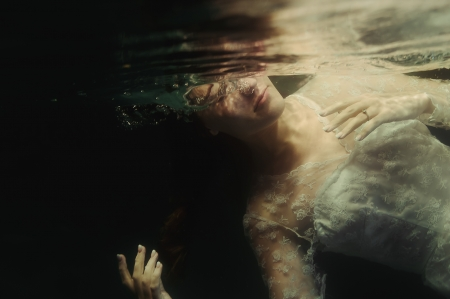Underwater- Bridal - Water, Ilse Moore, Bridal, Still Life, Girl, Underwater