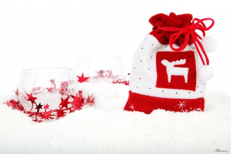 *Christmas time* - holidays, red stars, vase, santa claus, ball, kitbag, candle, time, clear, christmas, decoration, new year, hq, winter, on, snow, crystal, gifts