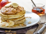 Banana Pancakes with Almonds