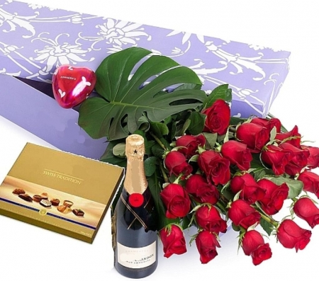 Name Day - red, champagne, rosa, chocolates