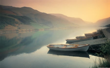 Calm Lake - photography, peaceful, lake, abstract, rivers, misty, fog, mountain, landscape, mist, calm, sunrise, sunset, mountains, boats, england, reflection, fantasy