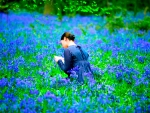 Reading Girl in Flowerfield