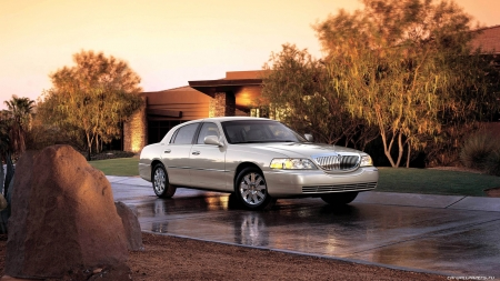 Lincoln Town Car Lincoln Cars Background Wallpapers On Desktop