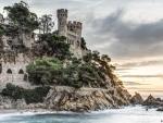 Den Plaja Castle